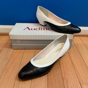 Auditions Vintage Black & White Pump Heels Narrow
